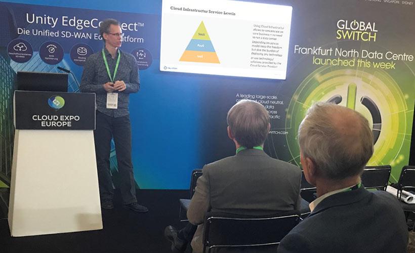 Dr. Klaus Schroer-Hölzer von Key-Work spricht auf der TechWeek