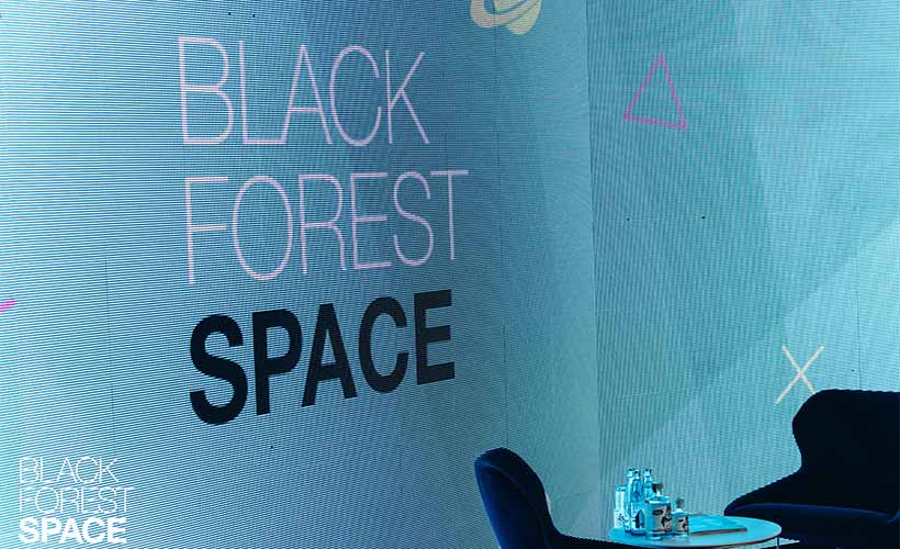 LED Wand Black Forest Space
